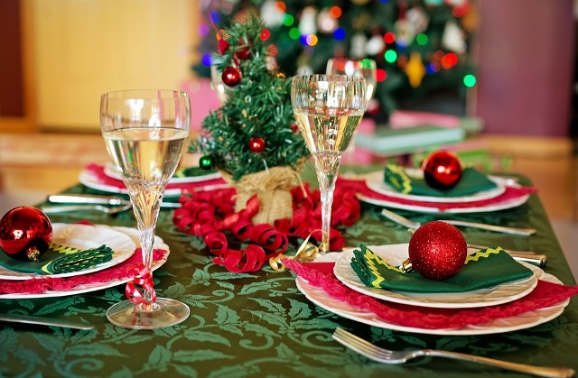 christmas table 1909797 960 720